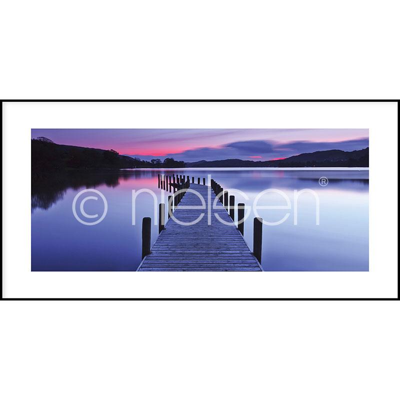 Gerahmte Kunst Footbridge Sunset mit Aluminium Bilderrahmen C2