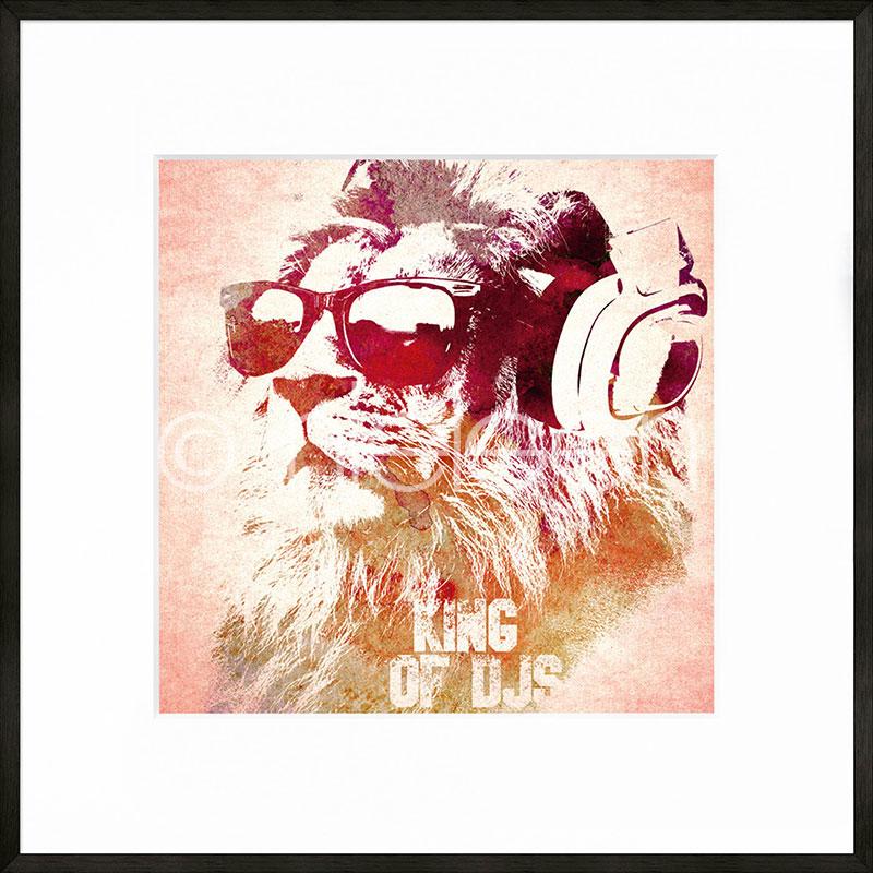 Gerahmte Kunst King of DJs mit Aluminium Bilderrahmen C2