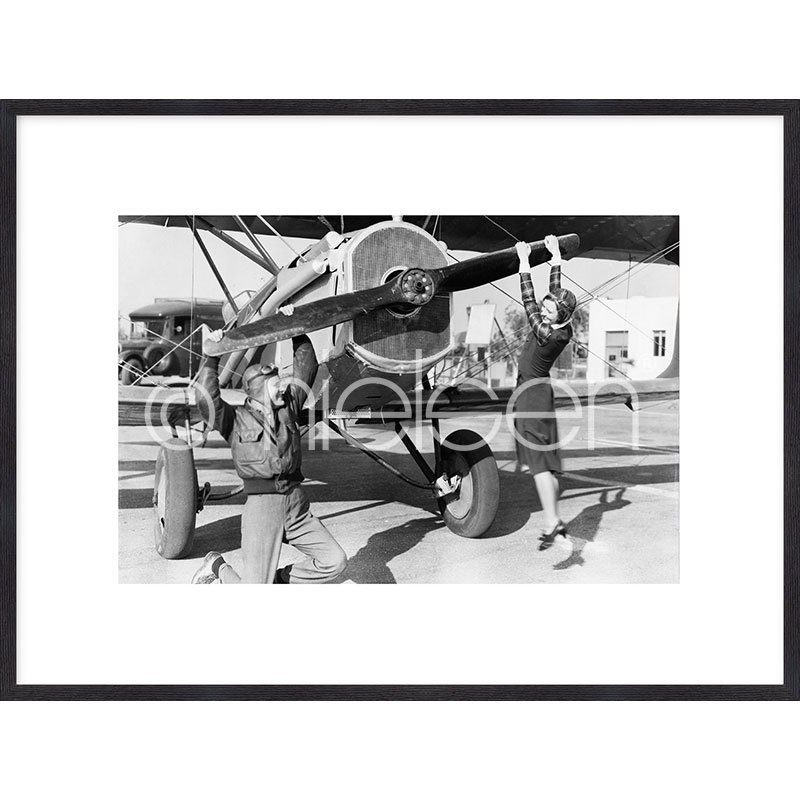 Gerahmte Kunst Historic plane II mit Holz Bilderrahmen Quadrum